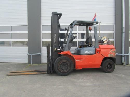 Toyota 5 ton diesel heftruck www.gebruikteheftrucks.net1