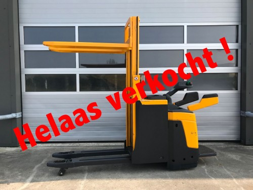 www.gebruikteheftrucks copy.nl  Jungheinrich stapelaar verkocht