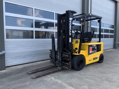 www.gebruikteheftrucks.net Hyundai 25BH-7 elektrische vorkheftruck 2,5 ton hefvermogen forklift vorkheftruck clark 1