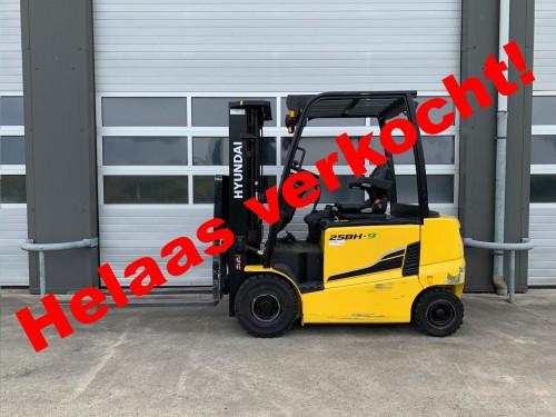 www.gebruikteheftrucks.net Hyundai 25BH-9 machine verkocht