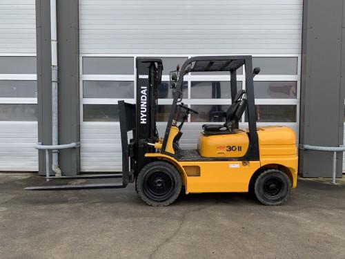 www.gebruikteheftrucks.net Hyundai HDF30-II diesel heftruck diesel forklift te koop te huur for sale for rental