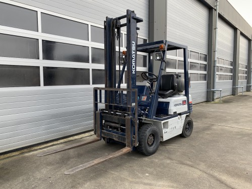 www.gebruikteheftrucks.net Komatsu 1.4 ton LPG heftruck vorkheftruck clark 1