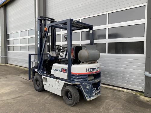 www.gebruikteheftrucks.net Komatsu 1.4 ton LPG heftruck vorkheftruck clark 2