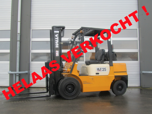 www.gebruikteheftrucks.net helaas verkocht halla 2.5 ton LPG heftruck