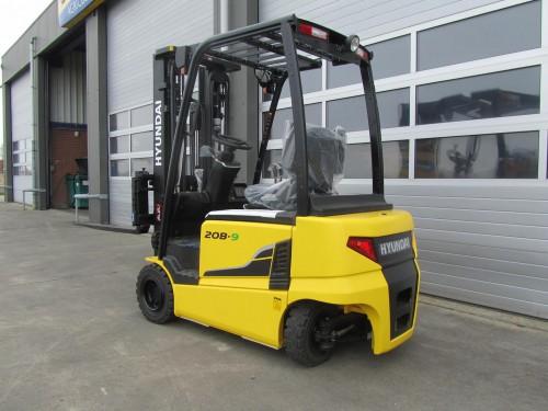 www.gebruikteheftrucks.net hyundai 20B-9 elektro heftruck vorkheftruck gebruikte nieuwe kopen huren leasen 2