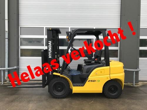 www.gebruikteheftrucks.nl diesel heftruck verkocht Hyundai 25D-9