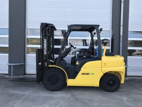 www.nieuweheftruckkopen.nl-hyundai-40D-9-4-ton-diesel-heftruck-triplo-mast (1)