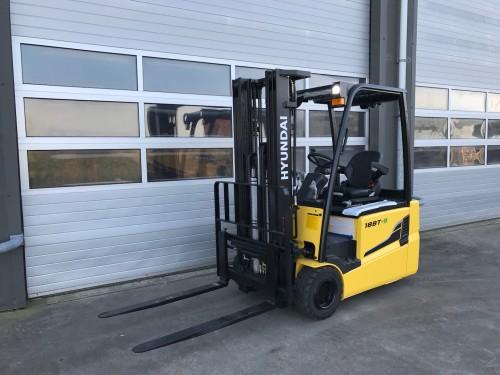 www.gebruikteheftrucks.net Hyundai 18BT-9 heftruck forklift 1800kg 1